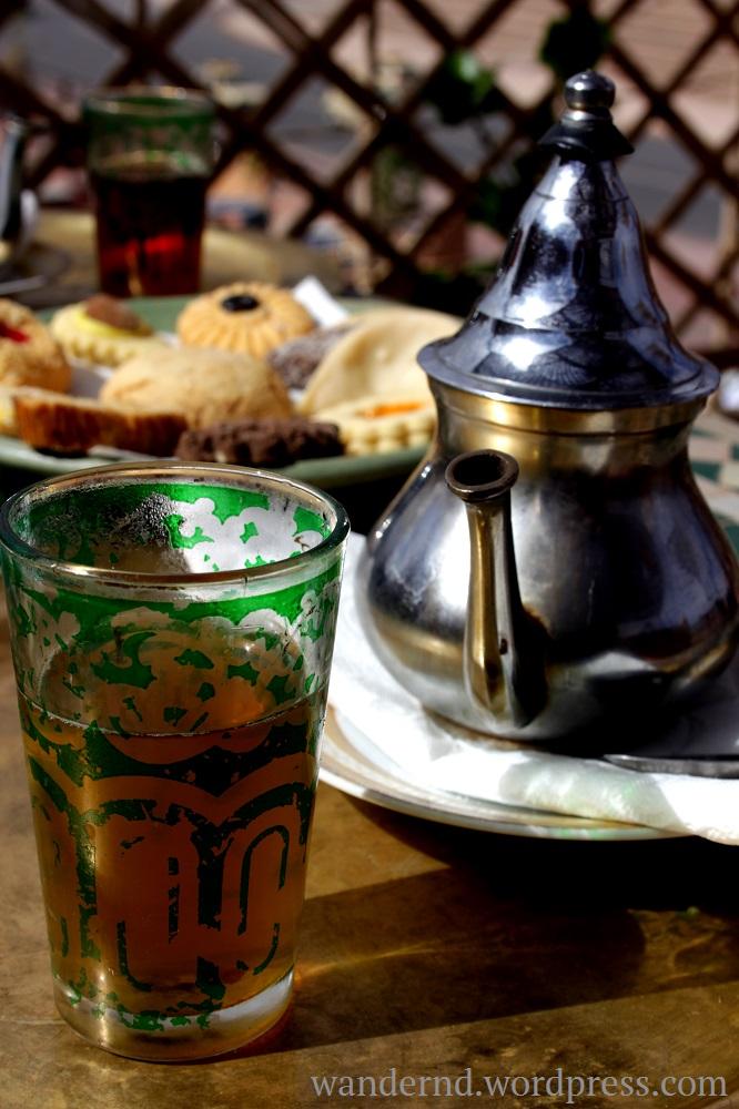 heute keinen Lust auf den Ausflug? Gehen wir Teetrinken!