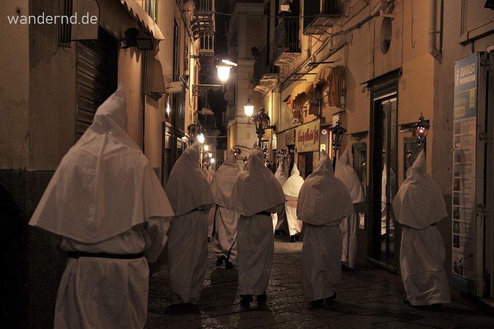 Kalender der Bräuche und Feste in Italien. Wann ist