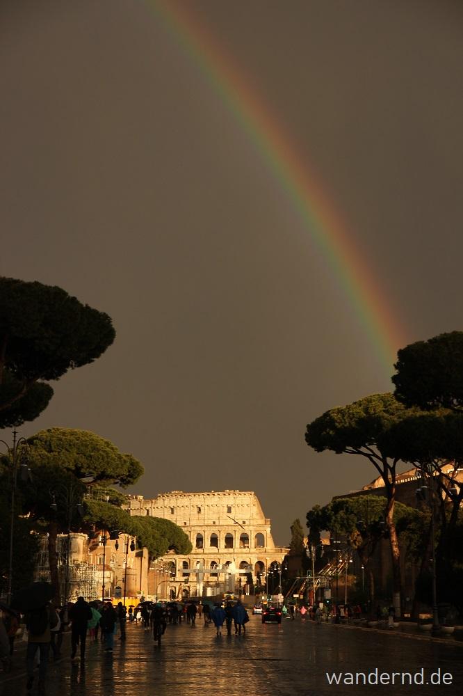 Fotografieren bei schlechtem Wetter: Kolosseum mit Regenbogen