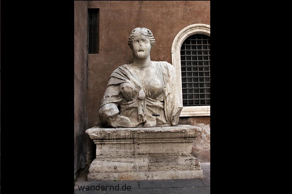 Madama Lucrezia an der Piazza San Marco in Rom