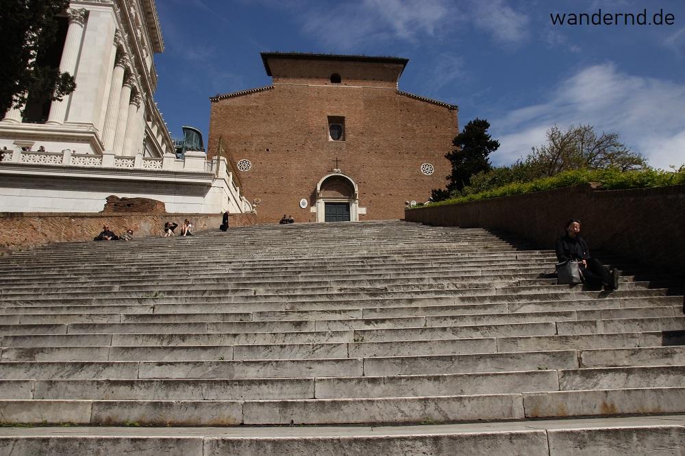 Maria in Aracoeli steht auf dem Grund eines römischen Tempels der Juno Moneta