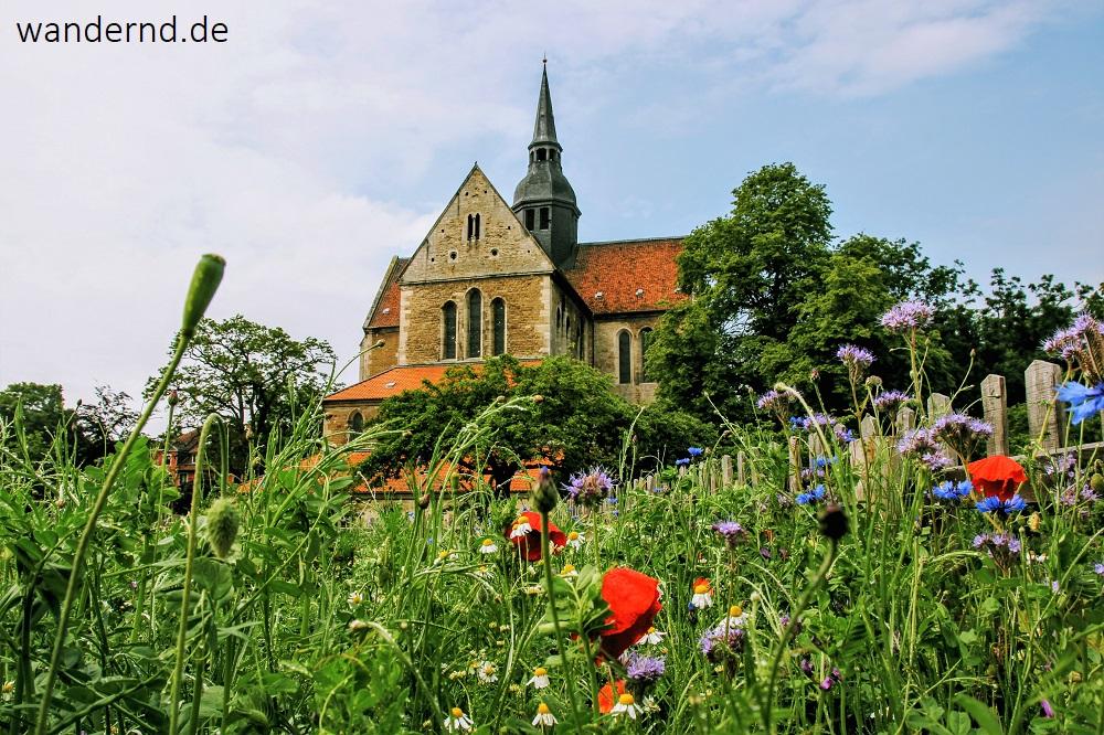 Kloster Riddagshausen: Blick auf die Klosterkirche