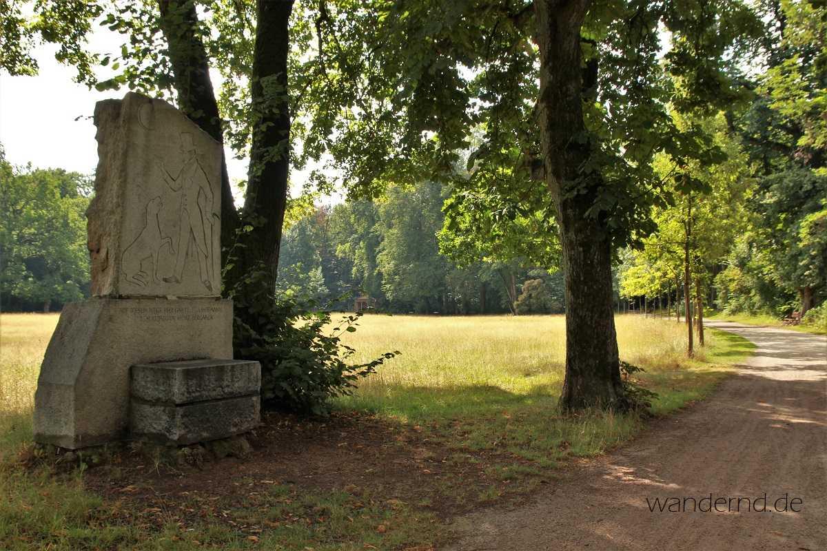 Das Hoffmann- und Berganza-Denkmal im Hain in Bamberg