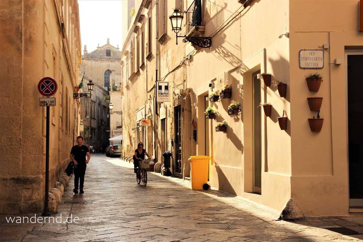 Rundreise durch Apulien: Lecceser Straßenszene