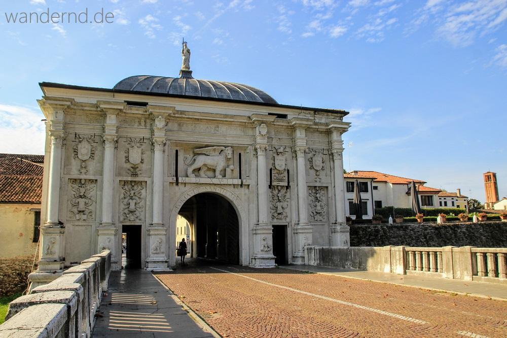 Treviso Sehenswürdigkeiten: Porta San Tomaso