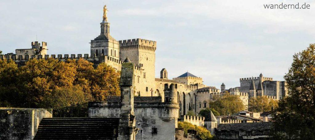 Avignon Sehenswürdigkeiten: Brücke, Papstpalast, Kathedrale