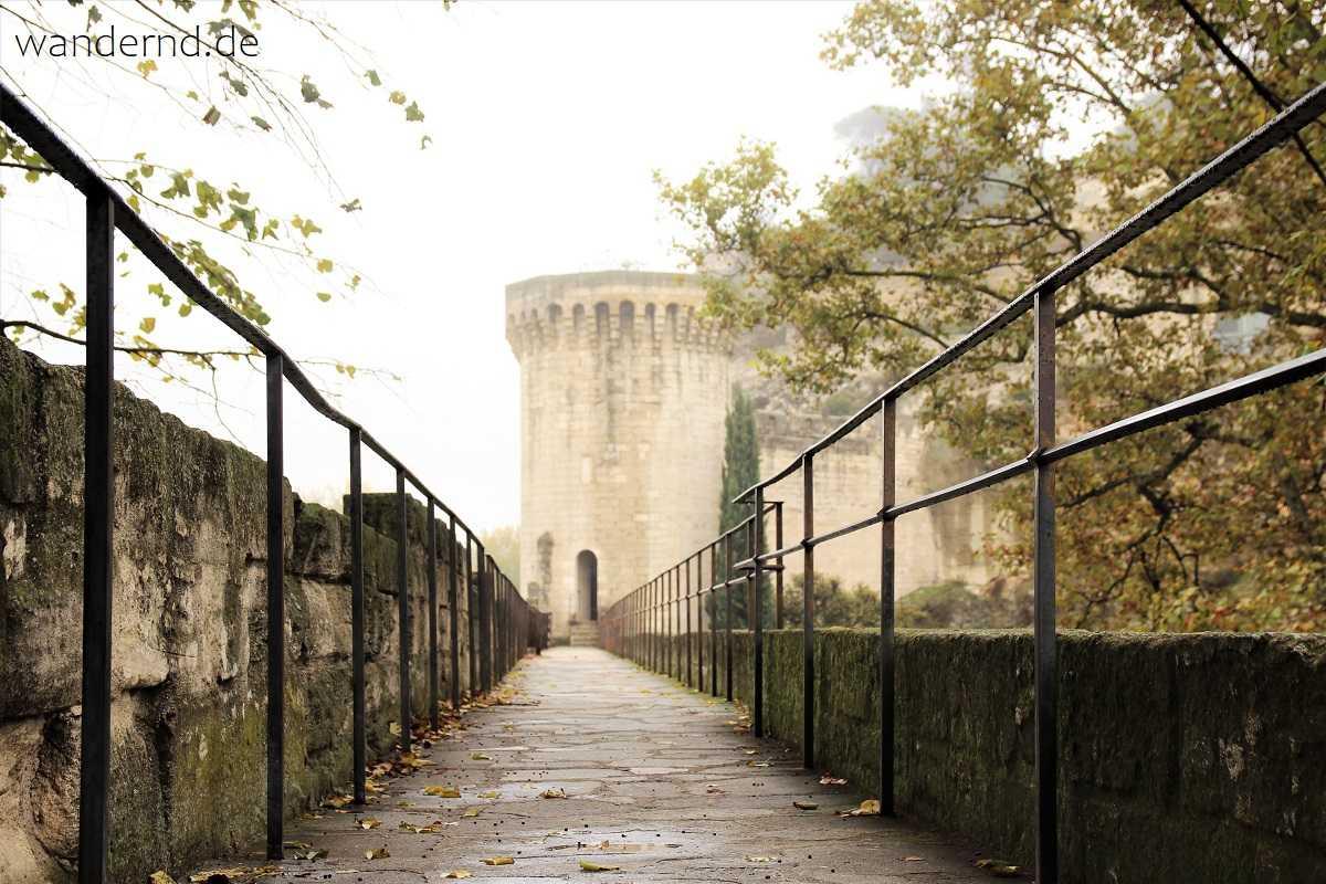 auf der Stadtmauer von Avignon