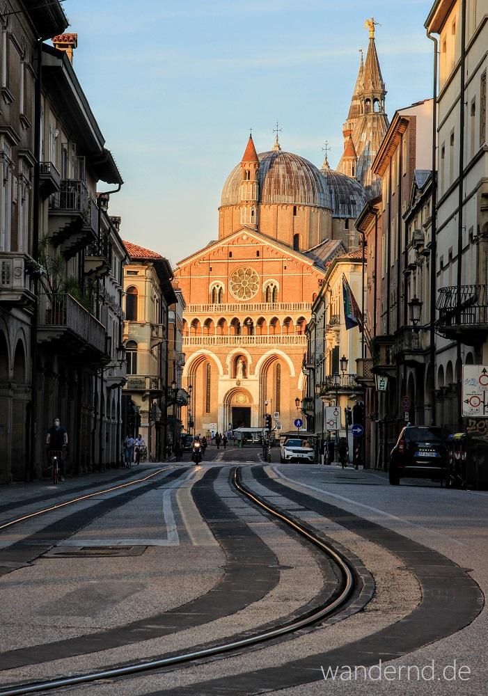 Venetien Rundreise: Blick auf die Antonius-Basilika in Padua